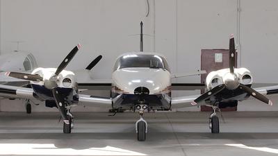 A picture of N64MP - Piper PA34220T Seneca V - [3449124] - © Davide Mascheroni