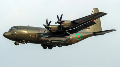 99-5479 - Lockheed Martin Hercules C.5 - Bangladesh - Air Force