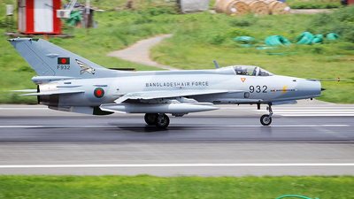 F932 - Chengdu F-7BG - Bangladesh - Air Force