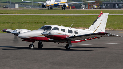 2-ANLD - Piper PA-34-220T Seneca V - Private