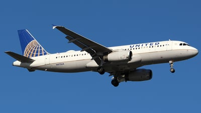 A picture of N473UA - Airbus A320232 - United Airlines - © Huy Do