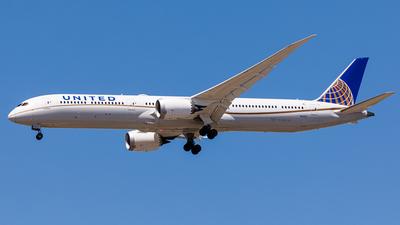 A picture of N12003 - Boeing 78710 Dreamliner - United Airlines - © Martin Pinnau