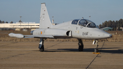AE.9-10 - CASA SF-5B(M) Freedom Fighter - Spain - Air Force