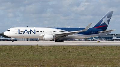 CC-CZU - Boeing 767-316(ER) - LAN Airlines