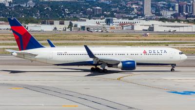 A picture of N173DZ - Boeing 767332(ER) - Delta Air Lines - © Micah Vobora