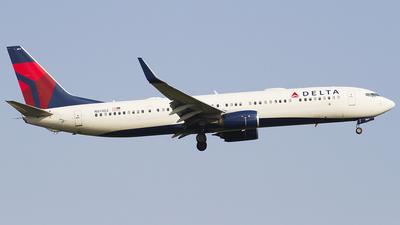 N811DZ - Boeing 737-932ER - Delta Air Lines