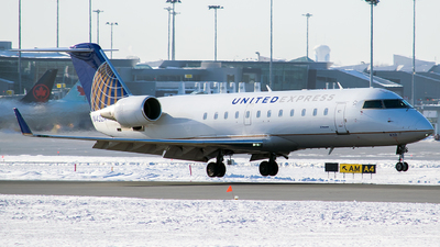 A picture of N432AW - Mitsubishi CRJ200LR - United Airlines - © MMD Spotter