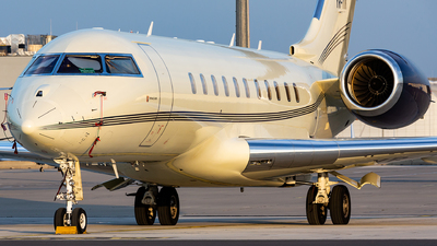 A picture of YRTIK - Bombardier Global 5000 - [9229] - © Thomas Ernst