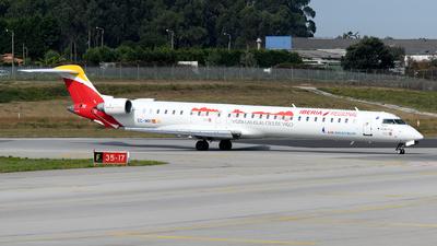 A picture of ECMRI - Mitsubishi CRJ1000 - Iberia - © Rui Marques