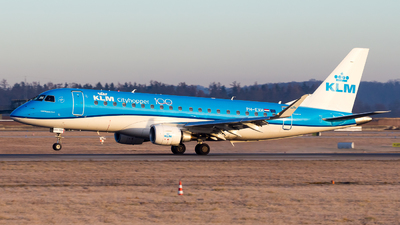 A picture of PHEXH - Embraer E175STD - KLM - © Chr Pe