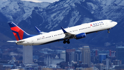 A picture of N826DN - Boeing 737932(ER) - Delta Air Lines - © Michael Rodeback