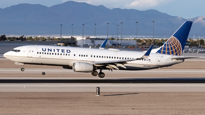 A picture of N25201 - Boeing 737824 - United Airlines - © Alejandro Hndez