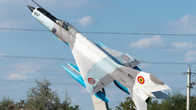 807 - Mikoyan-Gurevich MiG-21M Fishbed J - Romania - Air Force