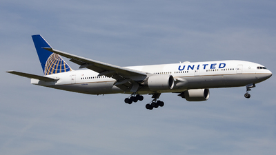 N206UA - Boeing 777-222(ER) - United Airlines