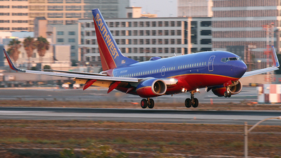N935WN - Boeing 737-7H4 - Southwest Airlines