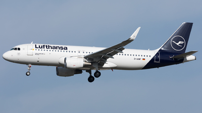 A picture of DAIWF - Airbus A320214 - Lufthansa - © Sierra Aviation Photography