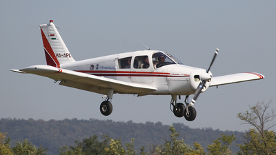 HA-APL - Piper PA-28-140 Cherokee B - Private