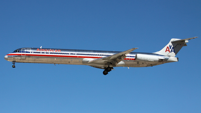 N9402W - McDonnell Douglas MD-83 - American Airlines