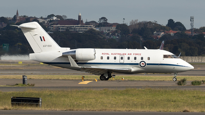 A picture of A37003 - Bombardier Challenger 604 - [5538] - © Tony Coles