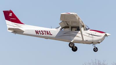 A picture of N137AL - Cessna 172N Skyhawk - [17268125] - © Jonathan Garner