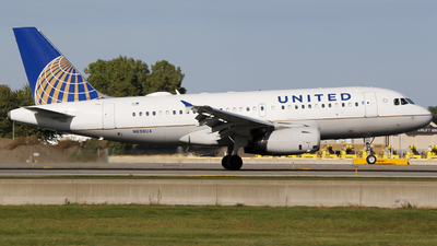 A picture of N898UA - Airbus A319132 - United Airlines - © Alec Mollenhauer