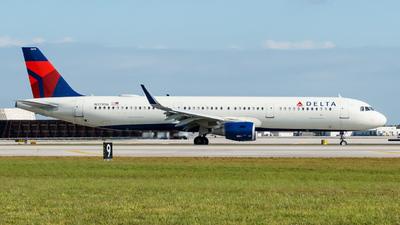 N379DN - Airbus A321-211 - Delta Air Lines