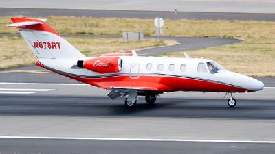 A picture of N678RT - Cessna 525 CitationJet CJ1 - [5250304] - © Geoff Landes