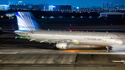 HL8073 - Airbus A321-231 - Air Busan