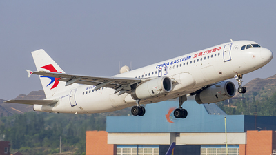 A picture of B6346 - Airbus A320232 - China Eastern Airlines - © ChenRT