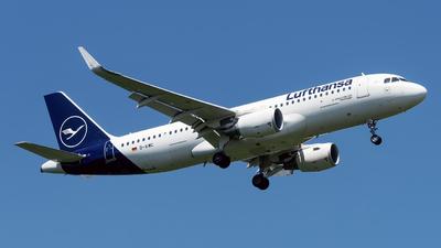 A picture of DAIWC - Airbus A320214 - Lufthansa - © Sebastian Thiel