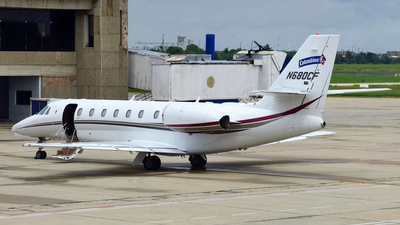 A picture of N680CF - Cessna 680 Citation Sovereign - [6800117] - © Luis C. Zurita