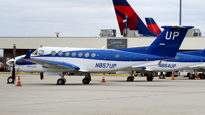 N857UP - Beechcraft B300 King Air 350i - Wheels Up