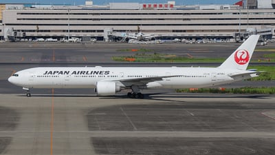 A picture of JA739J - Boeing 777346(ER) - Japan Airlines - © chenchen666