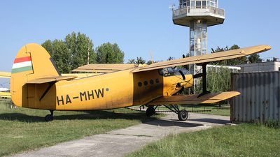 HA-MHW - PZL-Mielec An-2R - Private