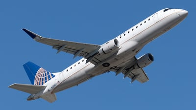 A picture of N139SY - Embraer E175LR - United Airlines - © Yixin Chen