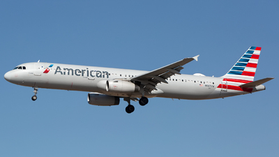 N587UW - Airbus A321-231 - American Airlines