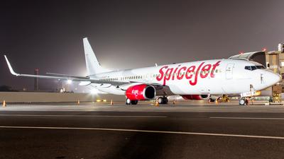 A picture of VTSLM - Boeing 7378EH - SpiceJet - © Janam Parikh