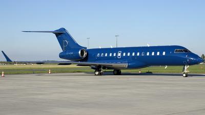 VT-CDP - Bombardier BD-700-1A10 Global 6000 - Poonawalla Aviation