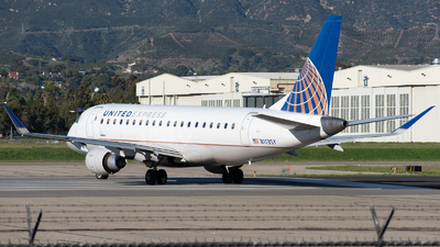 A picture of N113SY - Embraer E175LR - United Airlines - © Beck Ramsey