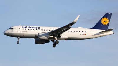 A picture of DAIUG - Airbus A320214 - Lufthansa - © Marvin Knitl