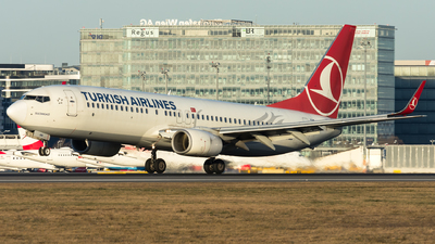 A picture of TCJVB - Boeing 7378F2 - Turkish Airlines - © Gerhard Zant