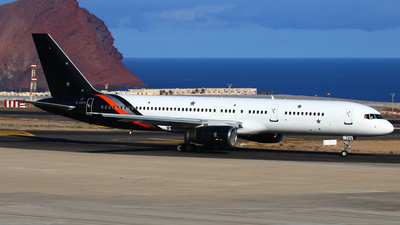 G-ZAPX - Boeing 757-256 - Titan Airways
