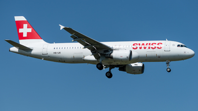 A picture of HBIJE - Airbus A320214 - Swiss - © Thierry Weber