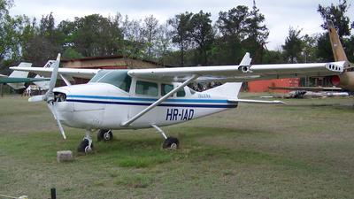 HR-IAD - Cessna P206C Super Skylane - Isleña Airlines