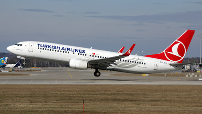 A picture of TCJGS - Boeing 7378F2 - Turkish Airlines - © Stefan Mayer
