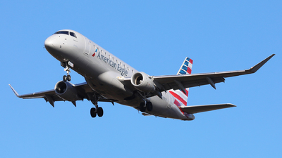 A picture of N443YX - Embraer E175LR - American Airlines - © h.giraff