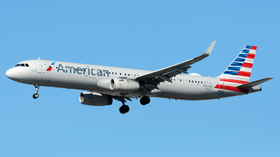 A picture of N993AN - Airbus A321231 - American Airlines - © Alexander Portas