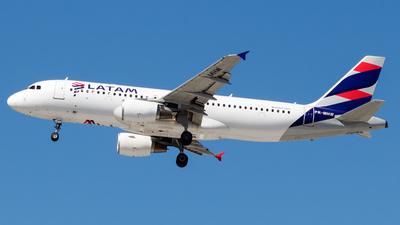 PR-MHW - Airbus A320-214 - LATAM Airlines