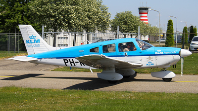 PH-KAX - Piper PA-28-181 Archer II - KLM Aeroclub