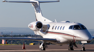 A picture of N420QS - Embraer Phenom 300 - NetJets - © HA-KLS